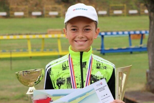 Sebastián Belicaj zbiera jednu trofej za druhou.