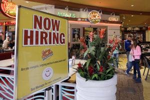 Tabuľa s oznamom o voľných pracovných miestach. Ilustračné foto