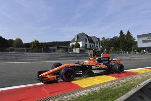 Belgický pilot formuly 1  Stoffel Vandoorne v McLarene na okruhu v Spa-Francorchamps.