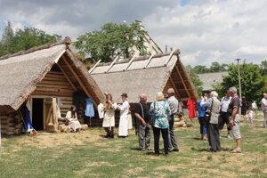 V rámci Svetového dňa cestovného ruchu budú aj prehliadky obydlí na Martinskom vrchu.