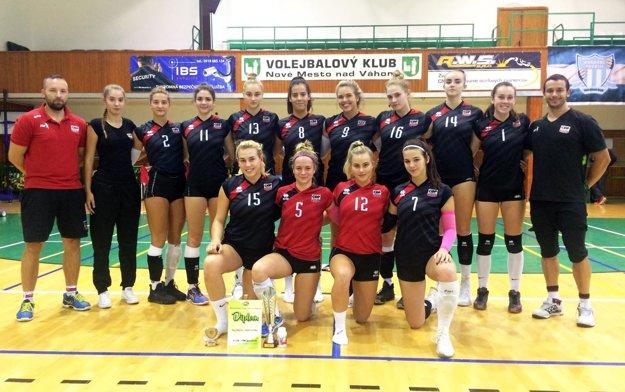 Družstvo COP Nitra na turnaji v Novom Meste nad Váhom.