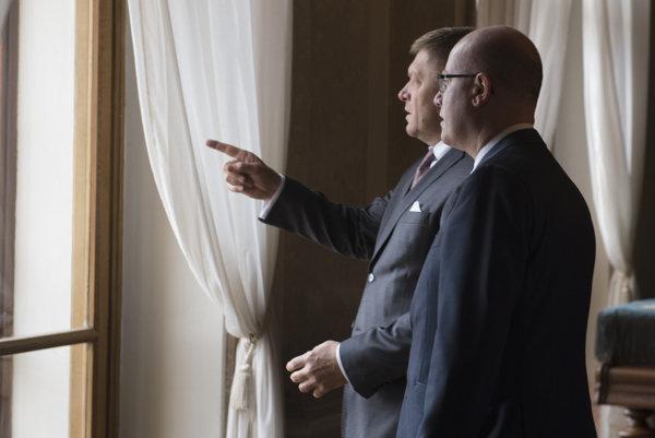 Slovenský premiér Robert Fico spolu s českým premiérom Bohuslavom Sobotkom.