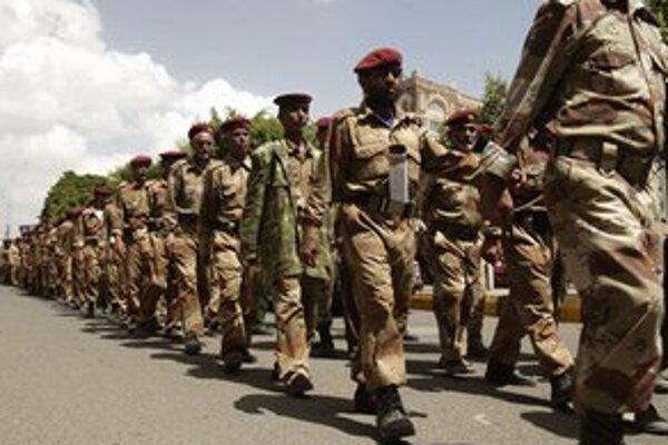 Jemenská armáda pochoduje v meste Saná.
