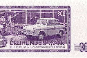 Trabant ako symbol socialistickej DDR na zadnej strane bankovky.