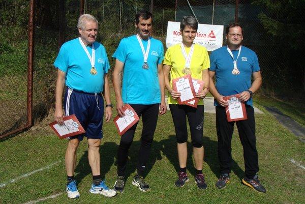 Úspešní dolnokubínski atléti - zľava Jaroslav Lupák, Peter Sládek, Katarína Marettová a Jozef Osadský.