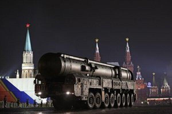 Ruský raketový systém Topol.