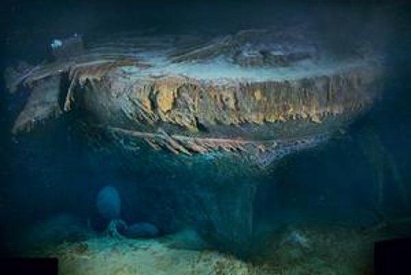 Vedci dali dokopy celý obraz lode. Vrak nasnímali do detailov, zistili aj, ako vyzerajú motory (v strede dole).