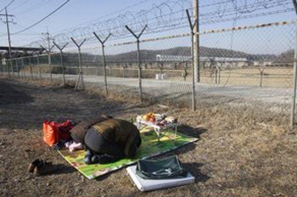 Strážená hranica rozdelila kórejský národ.