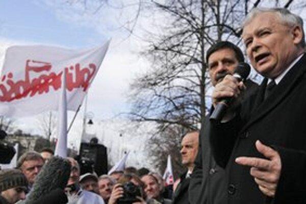 Jaroslaw Kaczynski sa obracia na europoslancov.