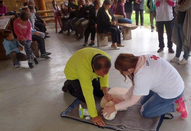 Poskytnutie prvej pomoci.