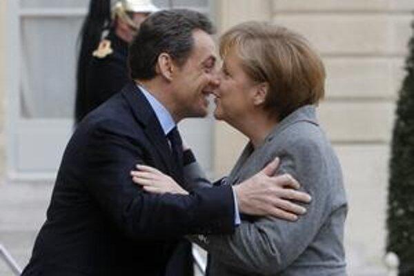 Nemecká kancelárka Merkelová neskrýva svoju podporu pre budúceho prezidentského kandidáta Sarkozyho.