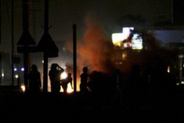 Protivládne protesty zasiahli mnohé bahrainské mestá.