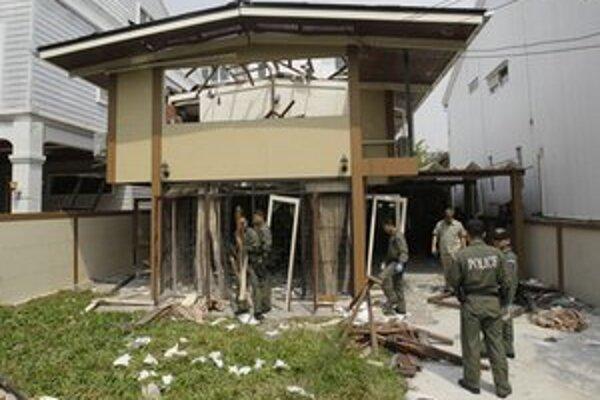 Pri výbuchoch utrpeli zranenia štyria ľudia.
