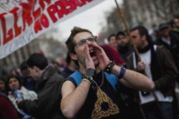 Španieli reformu masovo odmietli.