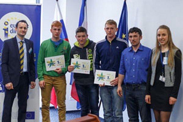 Žiaci z Novák vyhrali krajské kolo súťaže Mladý Európan.
