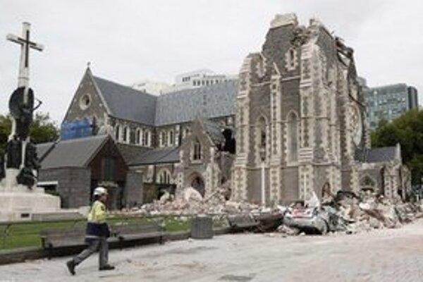 Katedrála sa po dotrasoch nedá zachrániť ani čiastočne.