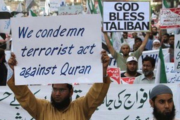 Protesty sa uskutočnili aj v Pakistane.