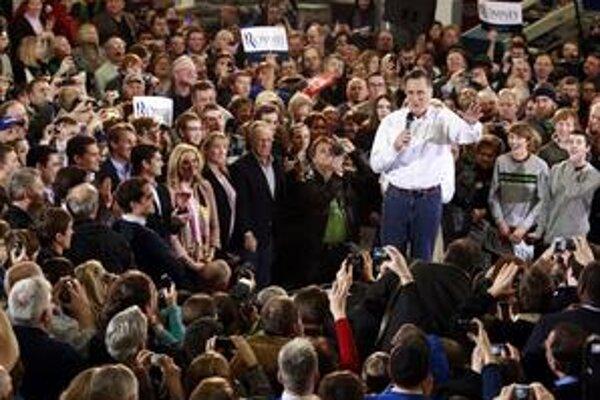 Najviac peňazí z republikánov vyzbieral Mitt Romney, takmer dvakrát viac ako druhý najbohatší Perry.