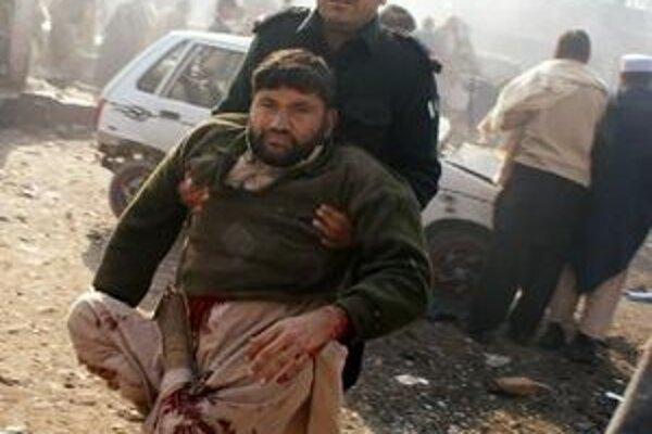 Bomba zranila najmenej 60 ľudí.