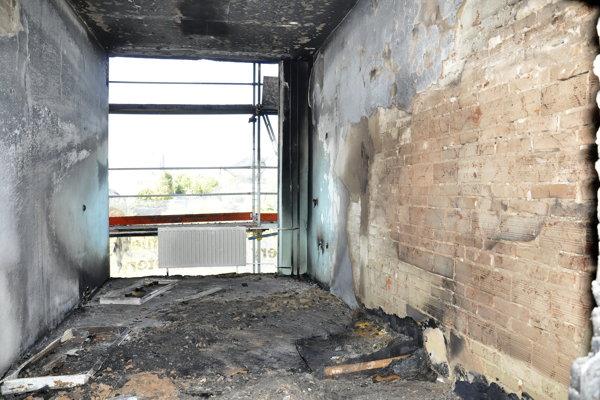 Zhorená miestnosť. Úmyselne ju vraj nezapálili.