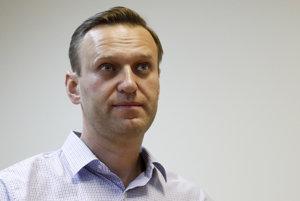 Moskovský súd poslal ruského opozičného lídra Alexeja Navaľného do väzenia.