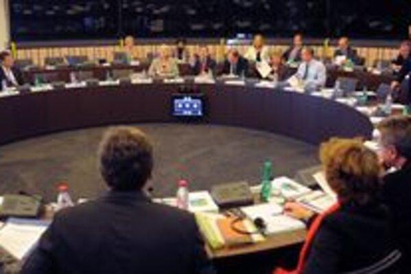 Komisia rozhodla o začatí konania voči maďarskej vláde.