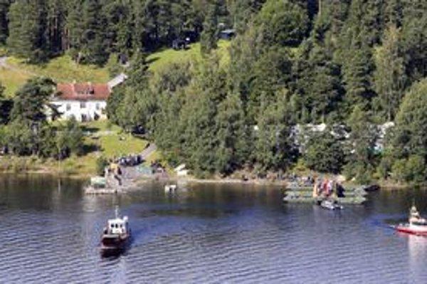 Nórsky strov Utöya, kde masový vrah Anders Behring Breivik zavraždil 69 mladých ľudí.