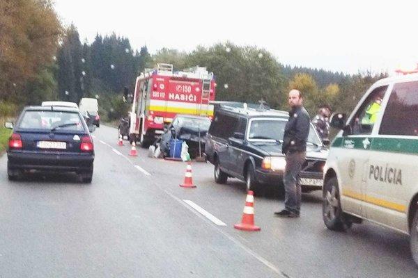 Tragická nehoda medzi Oravskou Jasenicou a Námestovom.