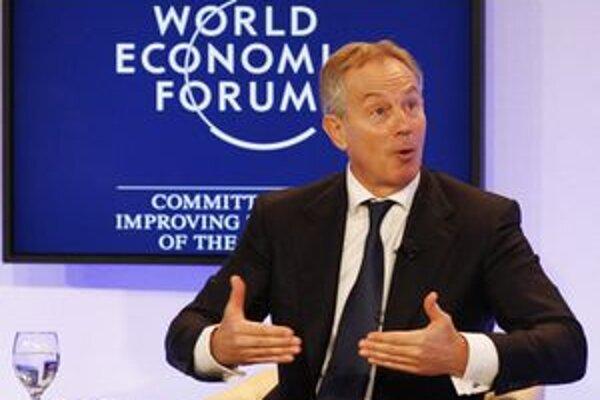 Tony Blair by mal krajine radiť v ekonomických otázkach.