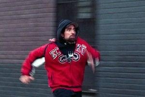 Robert Pattinson vo filme Good Time.