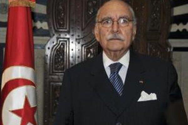 Nový tuniský prezident Fuád Mebazaa na inaugurácii v Tunise.