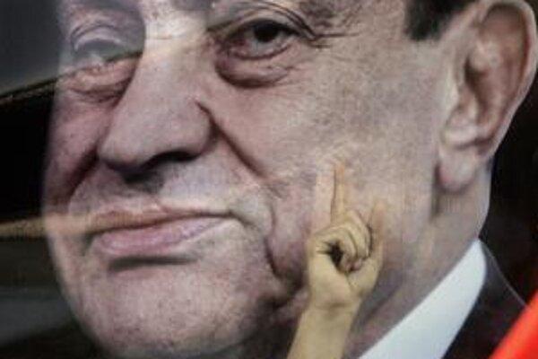 Mubarak neušiel z krajiny ako jeho kolega bin Alí z Tunisu.