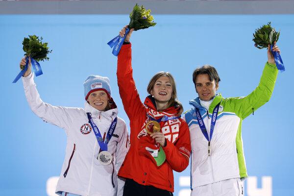 Teja Gregorinová (vpravo).