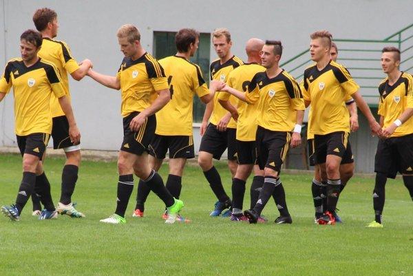 Námestovskí futbalisti prehrali na pôde prvého tímu súťaže.