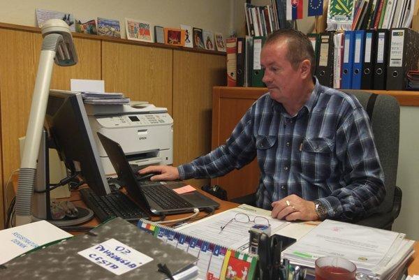 Poslanec BBSK Ján Tomáš sa opäť uchádza o dôveru voličov v okrese Žarnovica.