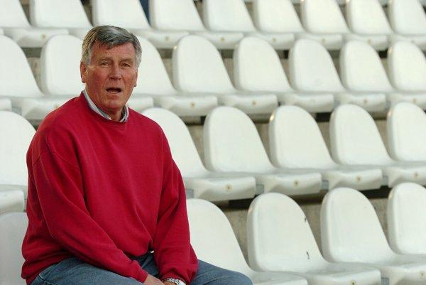 Jozef Adamec, legenda trnavského Spartaka, ešte na starom štadióne Antona Malatinského. Adamec bol hrdinom finále Stredoeurópskeho pohára 1967, keď po jeho akciách strelil Spartak všetky tri góly.