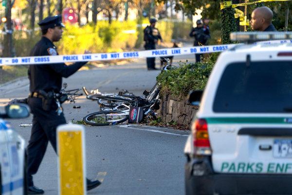 Útočník na Manhattane vrazil do cyklistov.