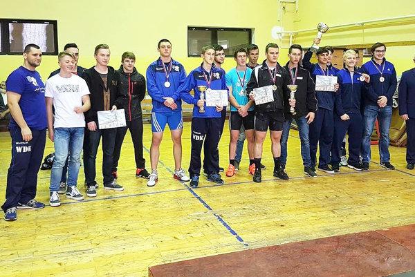 V dorasteneckej lige skončili Bobrovčania druhí a bronzový stupienok obsadil Dolný Kubín.