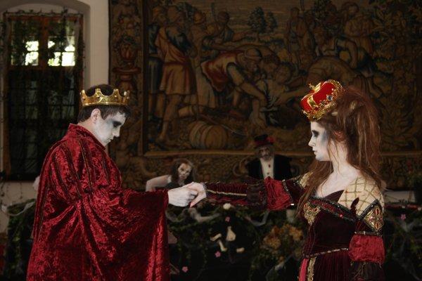 Počas festivalu sa na zámku konalo viacero svadieb.