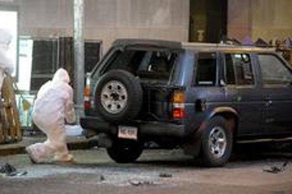 Džíp na Times Square  u niektorých vyvolal strach z áut.