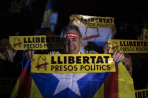 Kataláncov nahnevalo rozhodnutie súdu v Madride o uvalení väzby na ôsmich exministrov.
