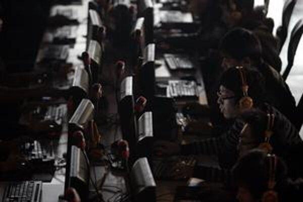 S množstvom užívateľov internetu rastie v Číne aj počet hackerov.