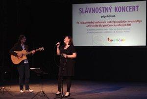 Katka Koščová počas koncertu.