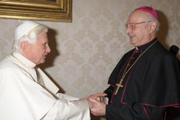 Pápež sa stretol s arcibiskupom Zollitschom.