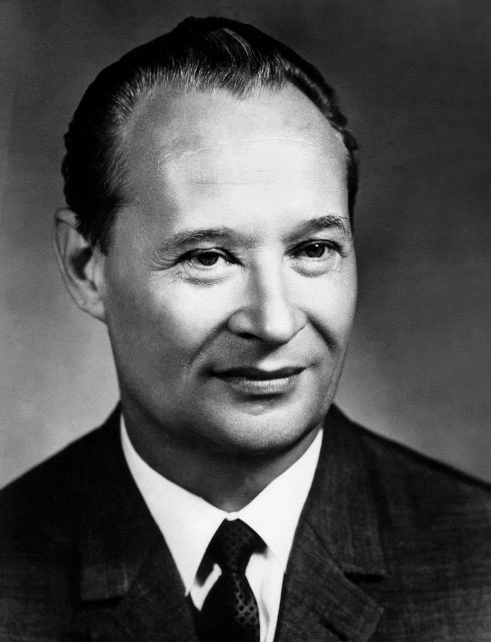 a very brief biography of alexander dubcek Czechoslovakia's brief flirtation with reform and democracy, its prague spring, was over husak immediately reversed dubcek's reforms, rid the party of its more liberal members, and imposed greater authoritarian control over the country, a process referred to as 'normalization.