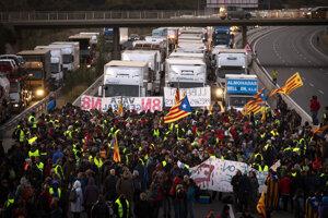 Štrajkujúci v katalánskej Bosse, neďaleko Girony.