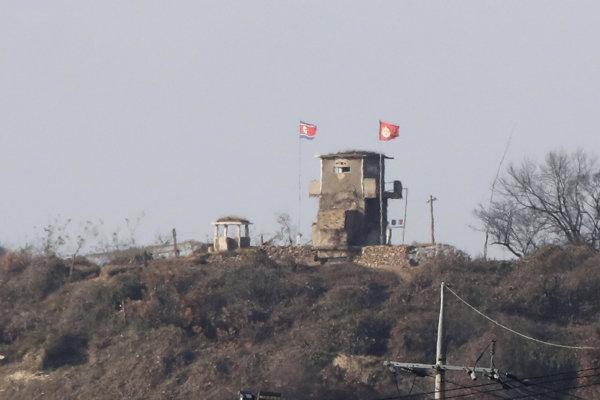 Postrelený dezertér zo Severnej Kórey prežije