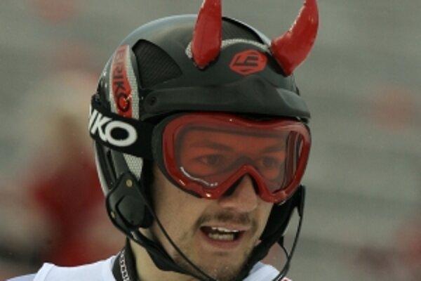Z lyžiarskej prilby sa môže stať aj vtipný módny doplnok.
