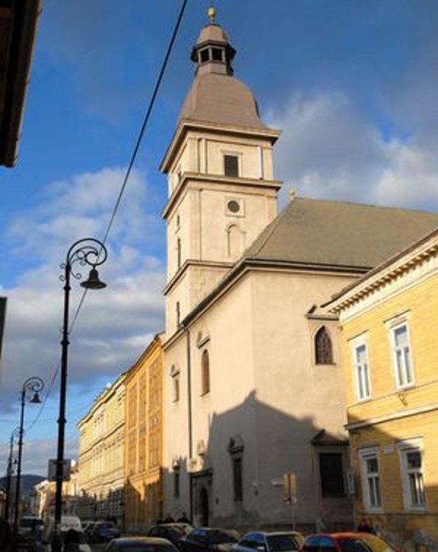 Podujatie sa začalo svätou omšou v uršulínskom Kostole svätého Michala archanjela.