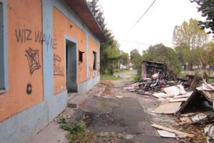 Posledné chátrajúce domy vPalúdzke konečne zvalili. FOTO: MAREK JURIŠ
